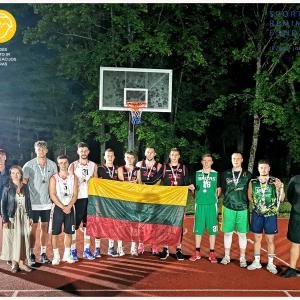 Žlibinuose vyko naktinio krepšinio turnyras